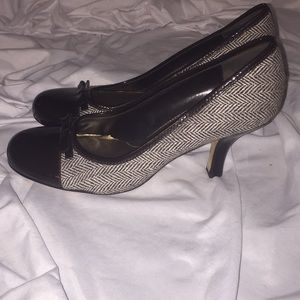 "2.5"" kitten heels, brown patent leather"